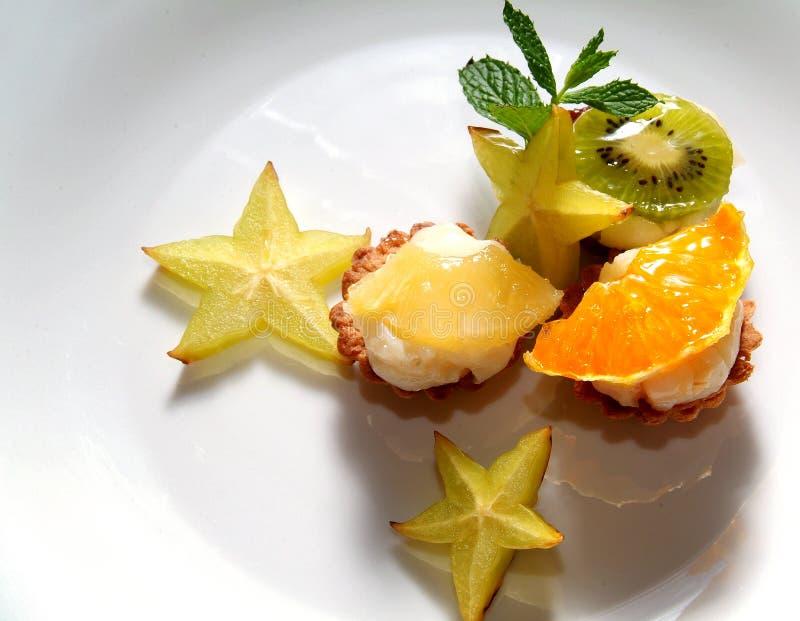 Download плодоовощ тортов стоковое изображение. изображение насчитывающей печет - 6869871