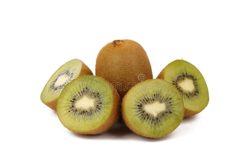 Плод кивиа - свежие отрезанные кивиы изолированные на белизне стоковое изображение rf