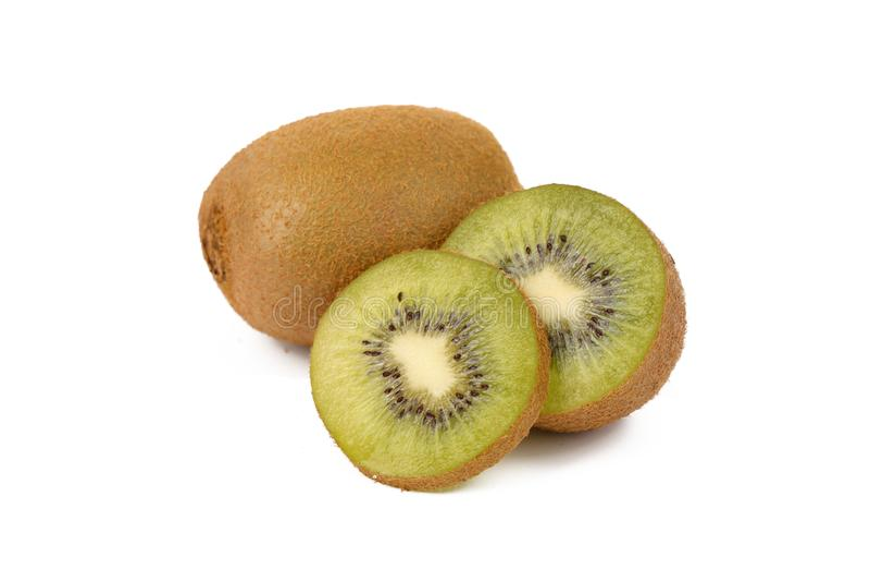 Плод кивиа - свежие отрезанные кивиы изолированные на белизне стоковое фото