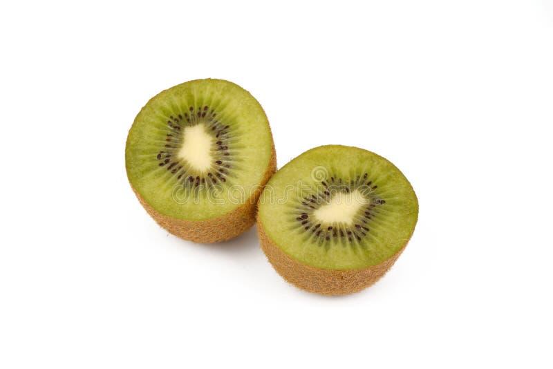 Плод кивиа - свежие отрезанные кивиы изолированные на белизне стоковая фотография rf
