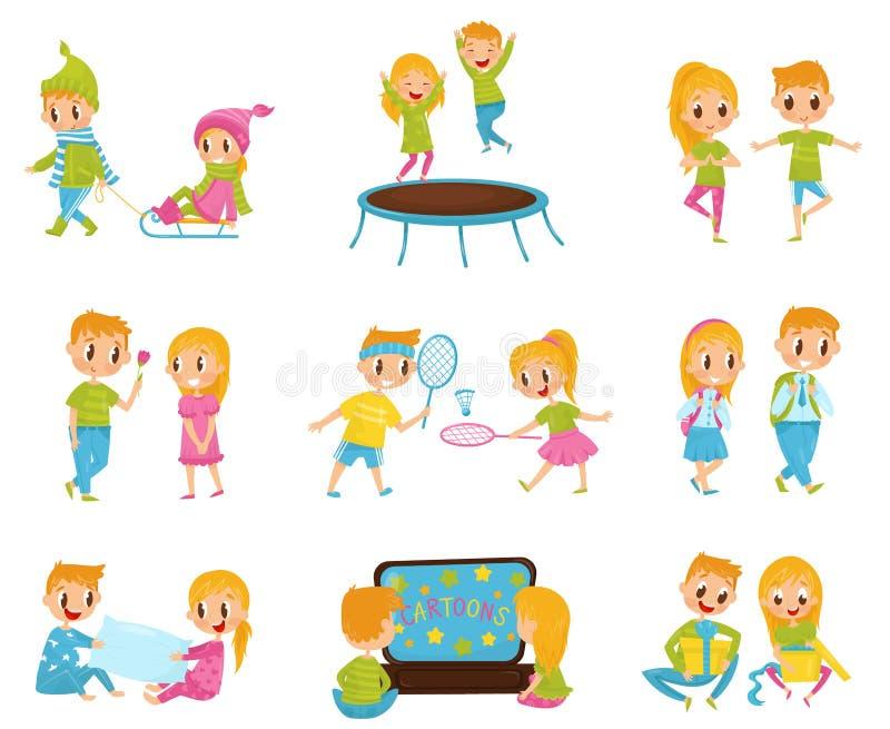 Плоский вектор установил с милым мальчиком и девушкой в различных действиях Скачущ на батут, наблюдая шаржи, раскрывая иллюстрация штока