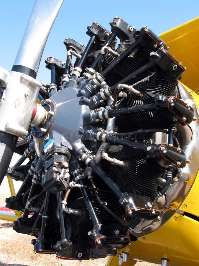 плоскость близкого двигателя старая вверх стоковая фотография