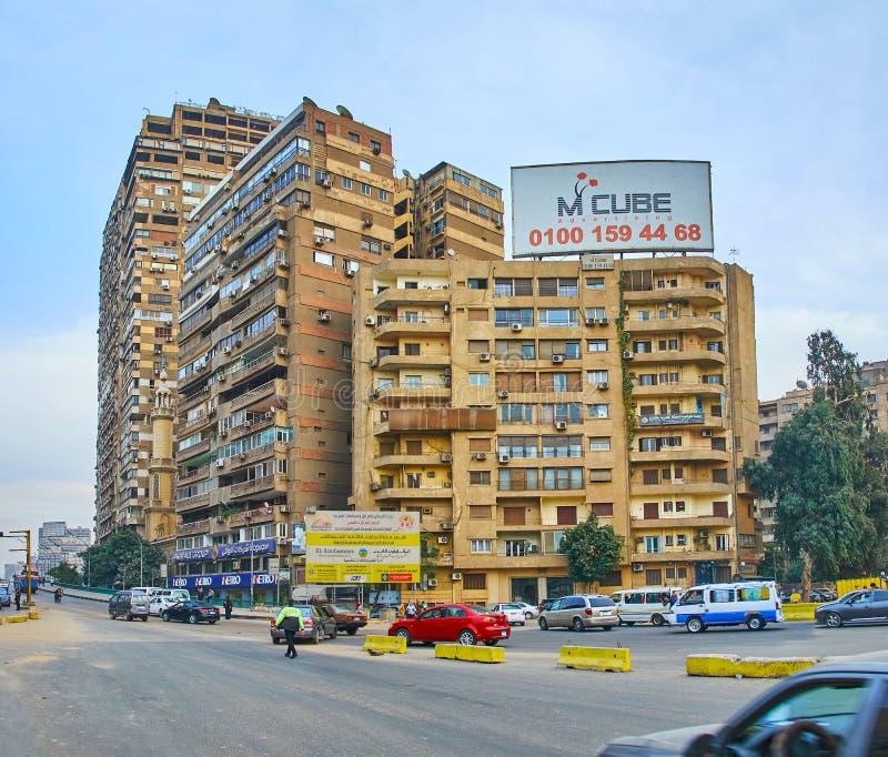 Плотные кварталы на мосте университета, Гизе, Египте стоковое фото