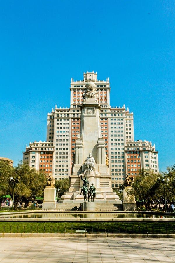 Площадь de España, в Мадриде статуя Don Quixote стоковое фото