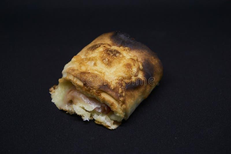 Плюшка пиццы с сыром стоковая фотография