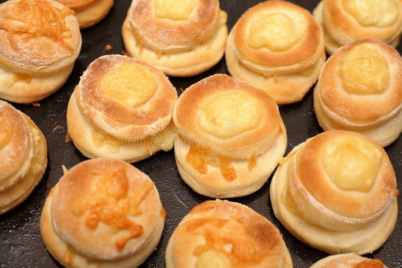 Плюшки с сыром стоковые изображения rf