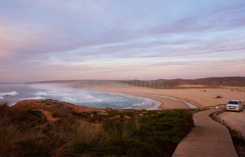 Пляж Алгарве Португалия Monte Clerigo стоковая фотография