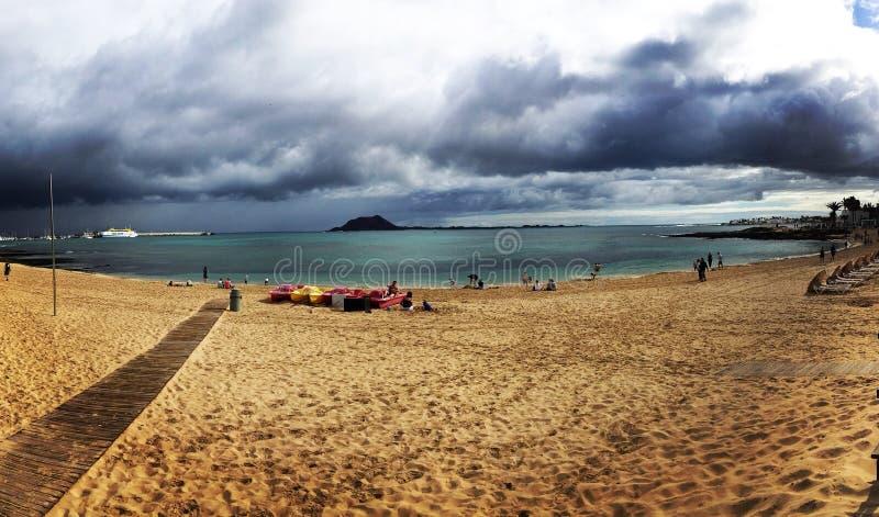 пляж бурный стоковая фотография