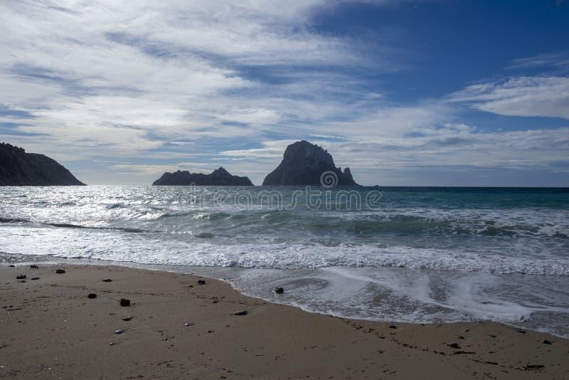 Пляж бухты de hort в ibiza стоковые изображения rf
