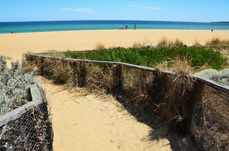Пляж взморья с взглядом стоковые изображения