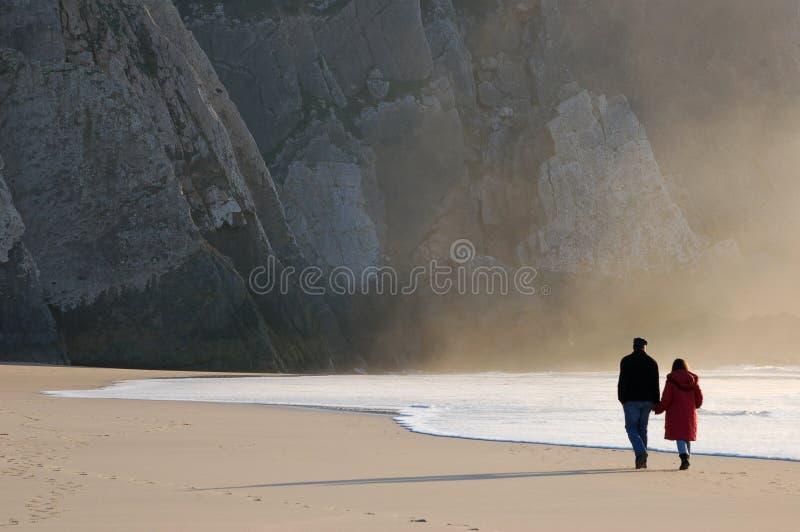 пляж вручает удерживание стоковое фото rf