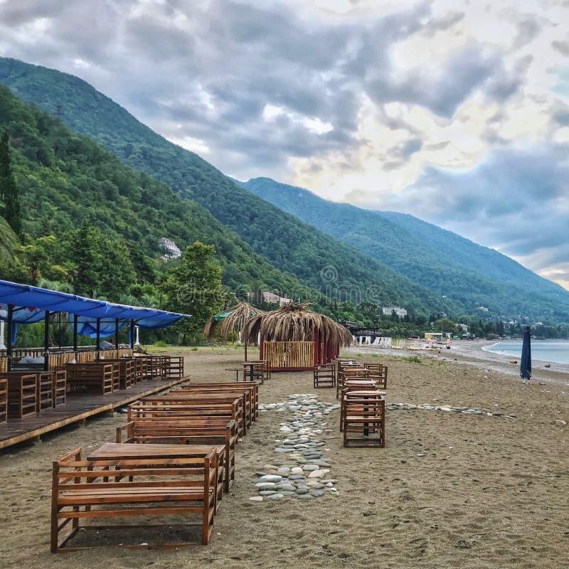 Пляж в абхазии стоковое изображение