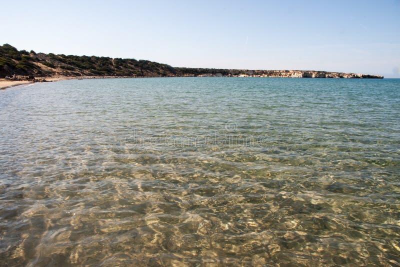 Пляж залива Lara в Кипр стоковое изображение rf