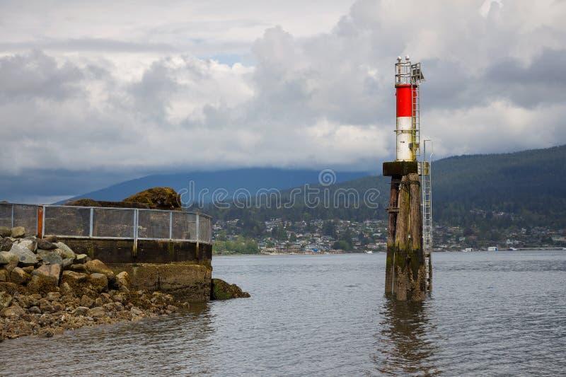 Пляж и маяк морского парка Barnet стоковое изображение