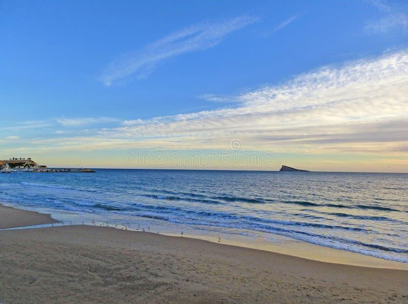 Пляж и остров Benidorm Аликанте Испания стоковое фото