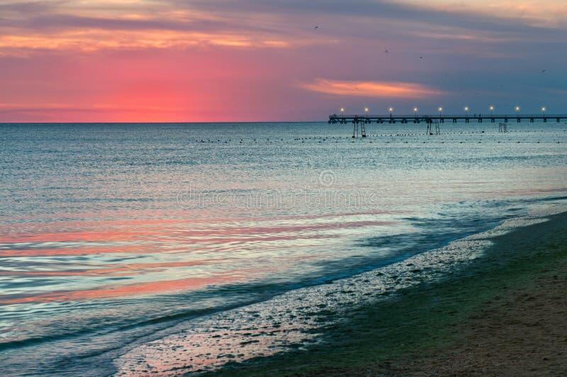 Пляж моря на вечере стоковая фотография rf
