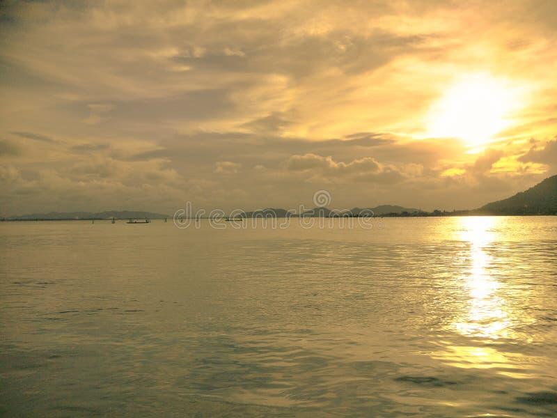 Пляж на южном Таиланда стоковая фотография rf