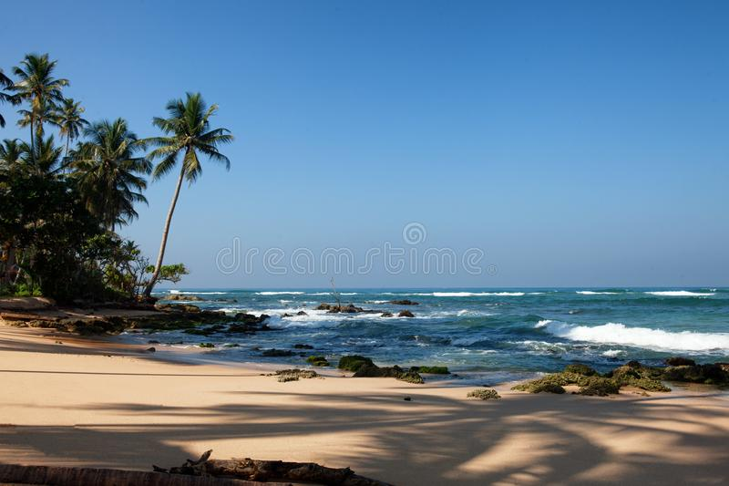 пляж около Ambalangoda, Шри-Ланки стоковое фото
