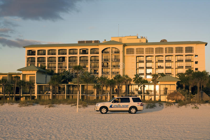 пляж патрулируя полиций стоковое изображение rf