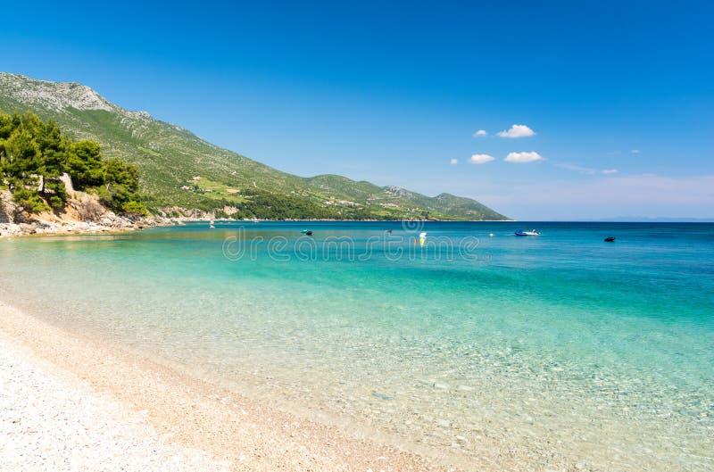 Пляж рая в Orebic на полуострове Peljesac, Далмации, Хорватии стоковое фото rf