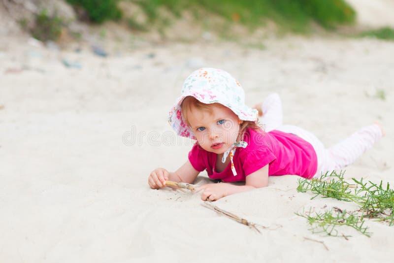 Пляж ребёнка стоковые изображения rf