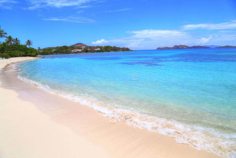 Пляж сапфира на острове St. Thomas стоковые изображения rf