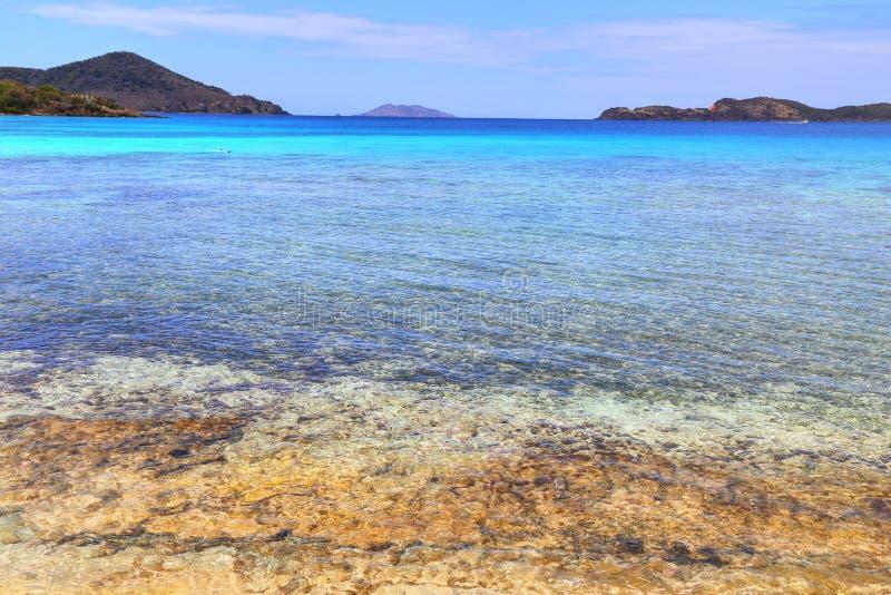 Пляж сапфира на острове St. Thomas стоковые изображения