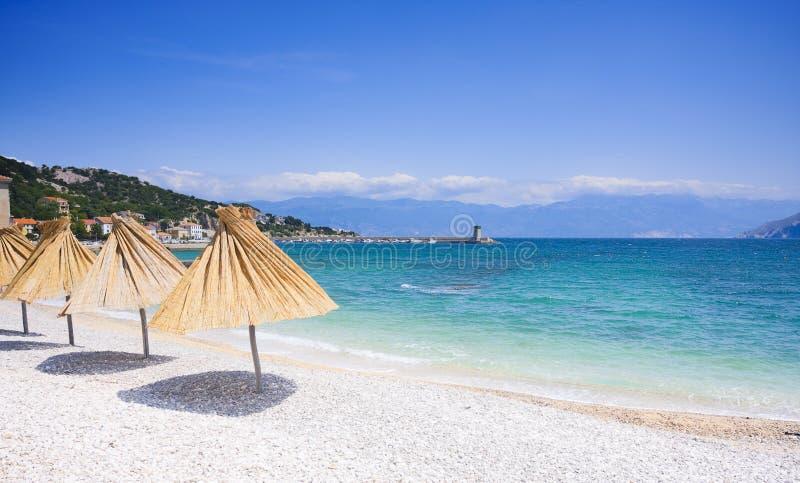 пляж Хорватия baska shingly стоковое изображение