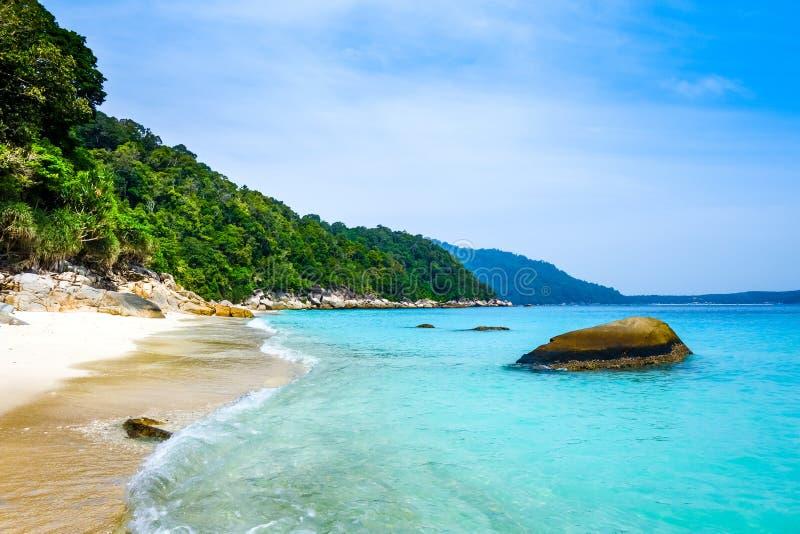 Пляж черепахи, острова Perhentian, Terengganu, Малайзия стоковые фотографии rf
