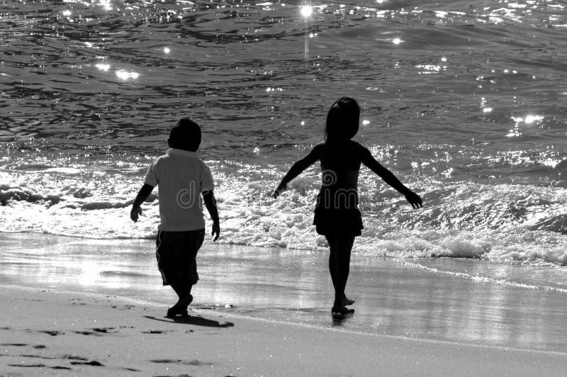 Download пляж стоковое фото. изображение насчитывающей вода, солнечно - 488384