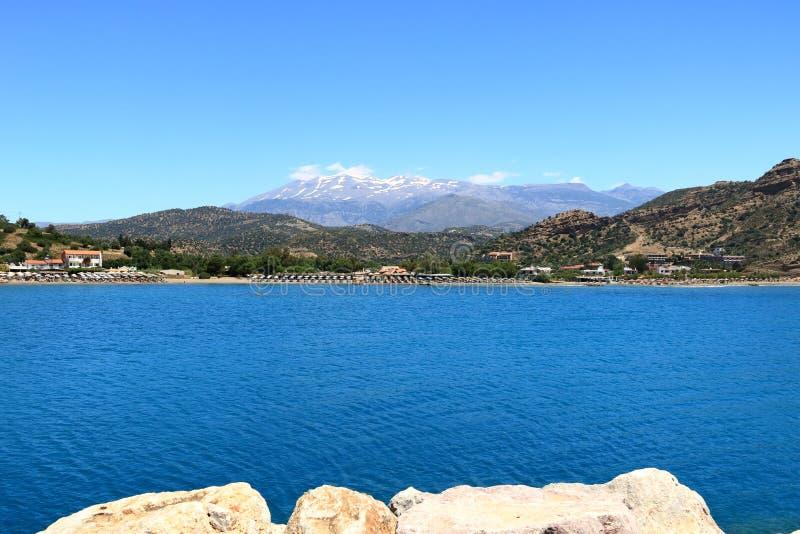 Пляж Agia Galini в острове Крита, Греции стоковое изображение