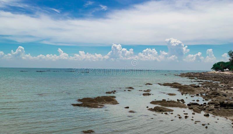 Пляж Bangsaen, Chon Buri, Таиланд стоковые фотографии rf