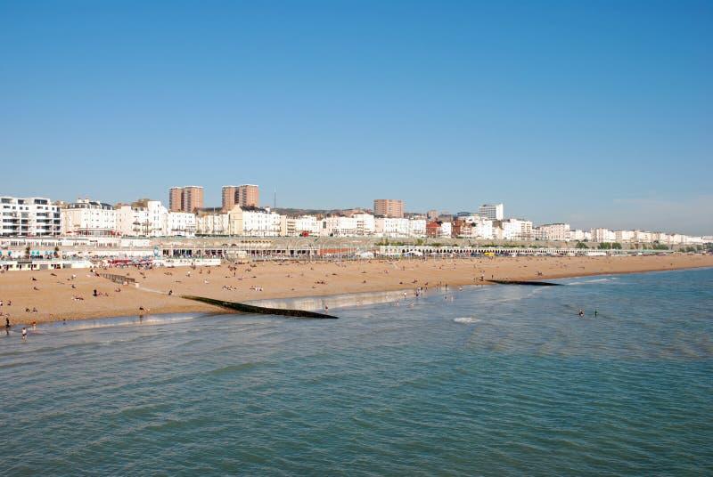 Download пляж brighton стоковое изображение. изображение насчитывающей море - 6851055