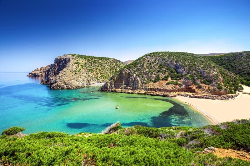 Пляж Cala Domestica, Коста Verde, Сардиния, Италия стоковые фото