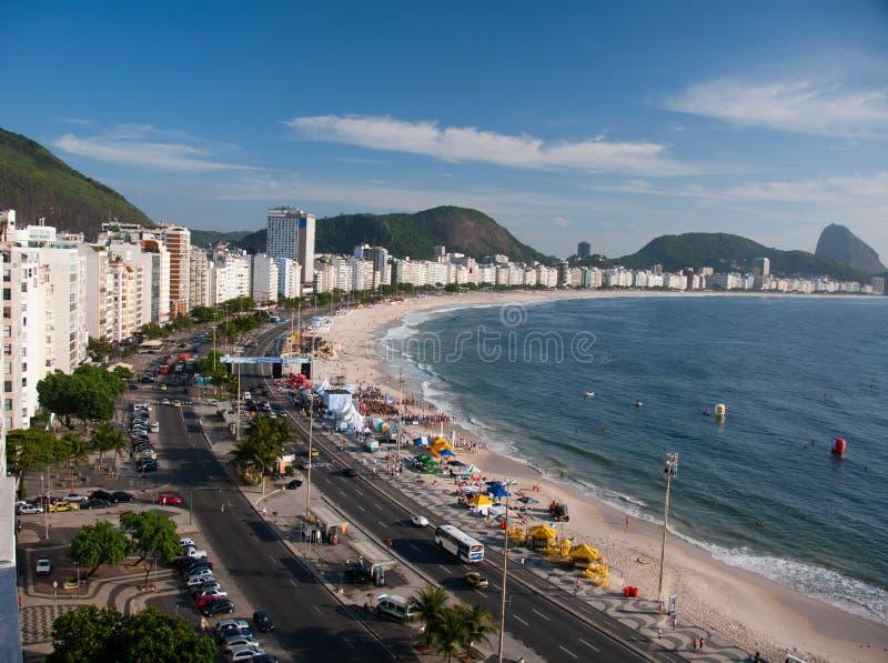 Download пляж Copacabana De Janeiro Rio Стоковое Фото - изображение насчитывающей туризм, активизма: 18395066