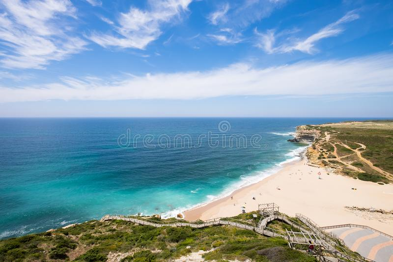 Пляж dilhas Ribeira в Ericeira, Португалии стоковые фотографии rf