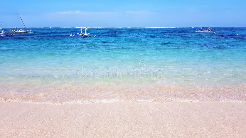 Пляж Dreamland в Бали, Индонезии стоковые фотографии rf