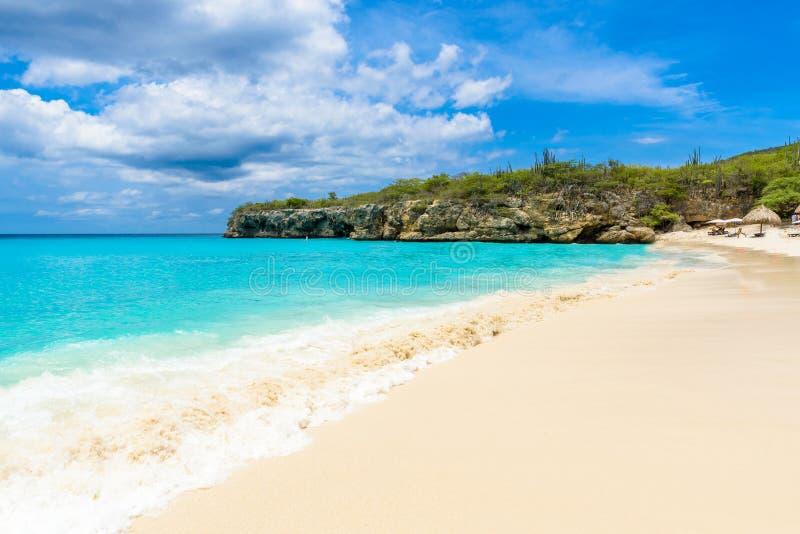 Пляж Grote Knip, Curacao, Нидерландские Антильские острова - пляж рая стоковое изображение