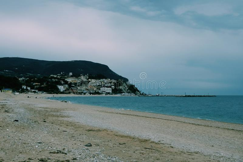 Пляж numana стоковое фото rf