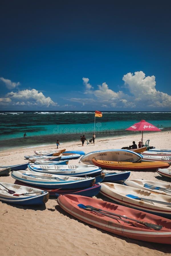 Пляж Pandawa в Бали Индонезии стоковое изображение