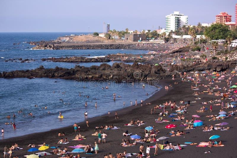 Пляж Puerto de Ла Cruz в августе стоковое фото rf