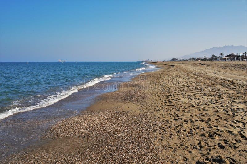 Пляж Puerto Rey от Вера Альмерия Андалусии Испании стоковая фотография
