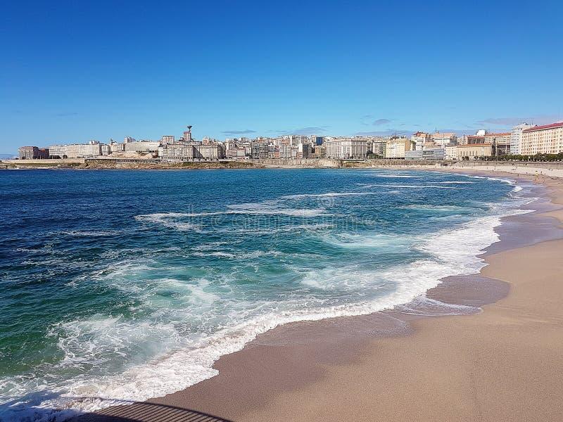 Пляж Riazor в Ла Coruna, Галиции, Испании стоковая фотография rf