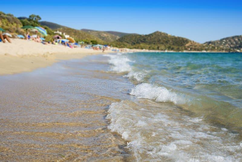 Пляж Spiaggia de Kala e Moru в Сардинии, Италии стоковые изображения
