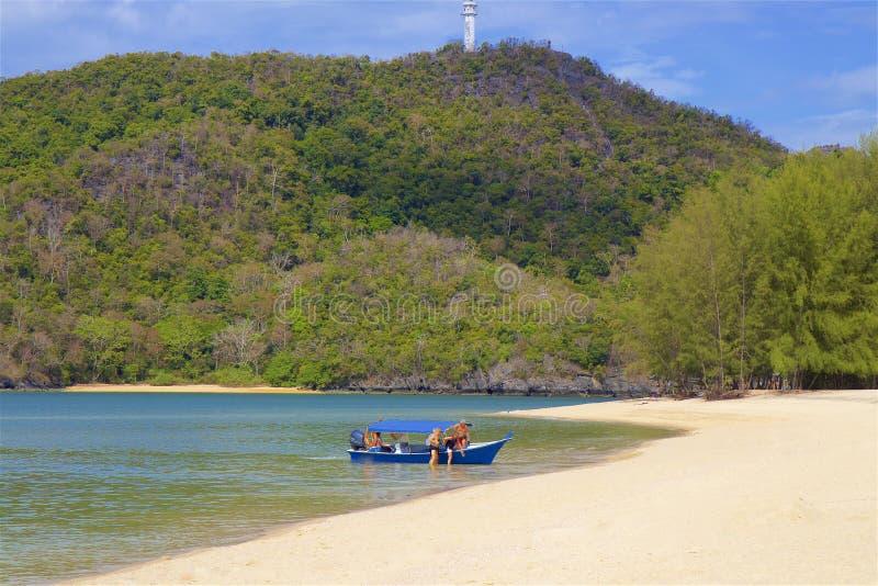 Пляж Tanjung Rhu в Langkawi, Малайзии стоковые изображения rf