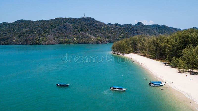 Пляж Tanjung Rhu, Малайзия летом стоковая фотография rf