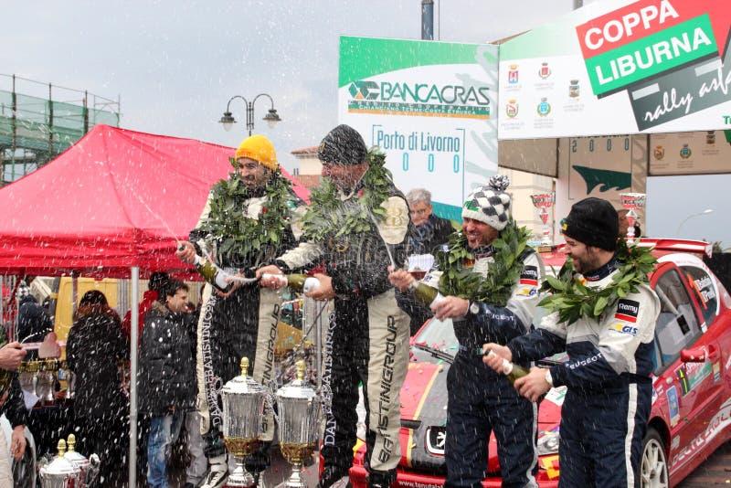 победители команды ралли подиума liburna чашки асфальта стоковые фото