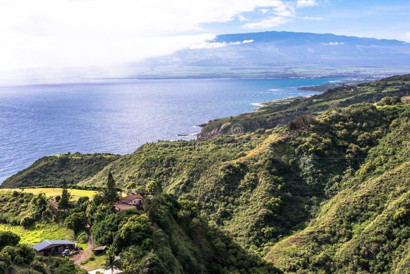 Побережье вдоль северного берега в Мауи, Гаваи стоковые изображения rf
