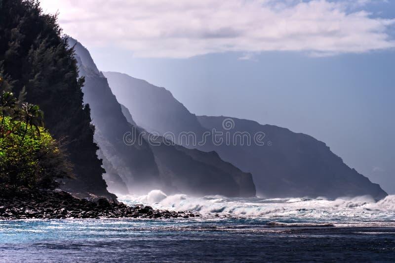 Побережье Кауаи Na Pali, Гаваи стоковое изображение rf