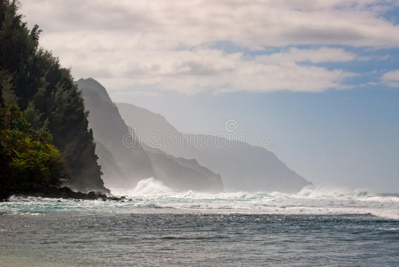 Побережье Кауаи Na Pali, Гаваи стоковые фотографии rf